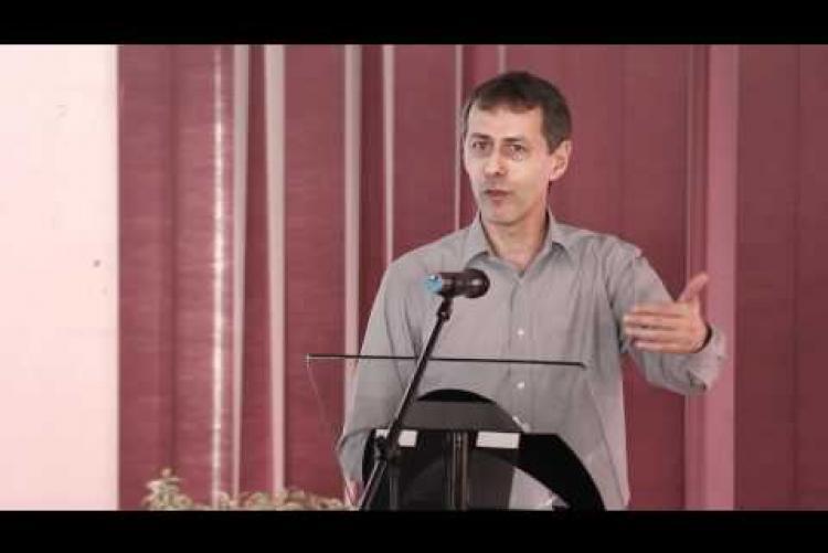 Embedded thumbnail for Radó Péter - Van-e élet az Európai Unión kívül? Végre szabadon?