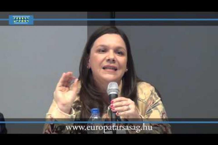 Embedded thumbnail for MAGYARORSZÁG TÍZ ÉVE AZ EU-BAN Kerekasztal-beszélgetés - Bárd Petra és Martin József Péter