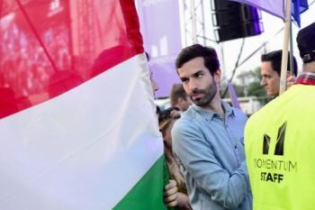 Magyarország hipszter patriótái megcélozzák Orbánt.